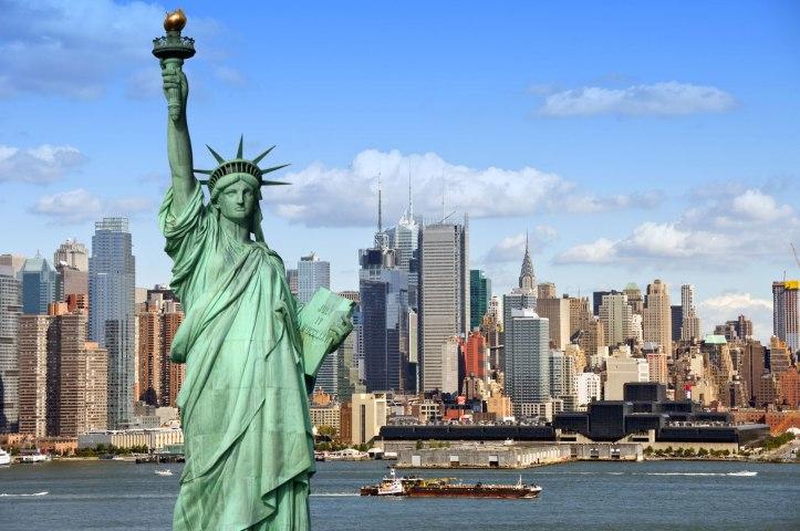 new_york_angela-barnett-statue-boats